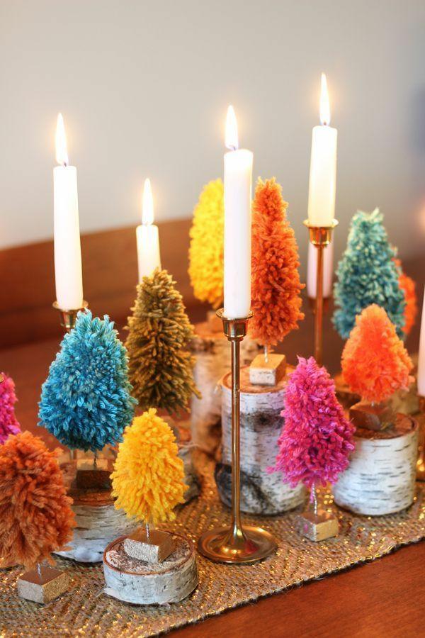 déco table noël à fabriquer forêt de sapin fil métallique et fils de laine colorés