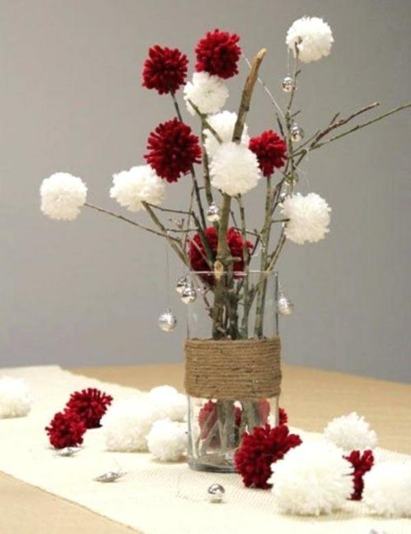 déco table noël à fabriquer vase plein de branchage décoré