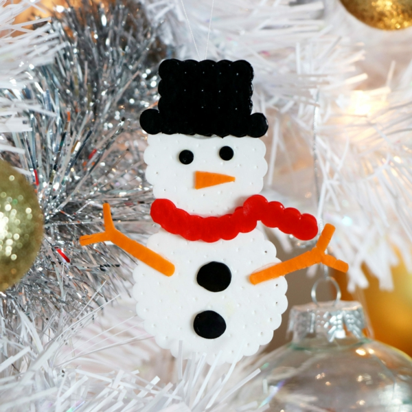 diy bonhomme de neige en perles à repasser