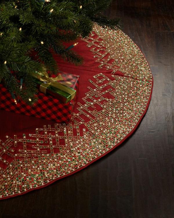 diy jupe de sapin décorée de perles et éléments métalliques