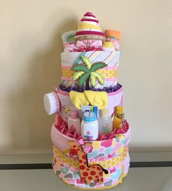 fabriquer un gâteau de couches cosmétiques pour bébé