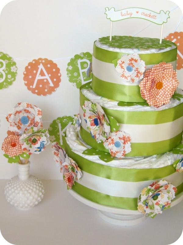 fabriquer un gâteau de couches déco fleurs en papier kraft