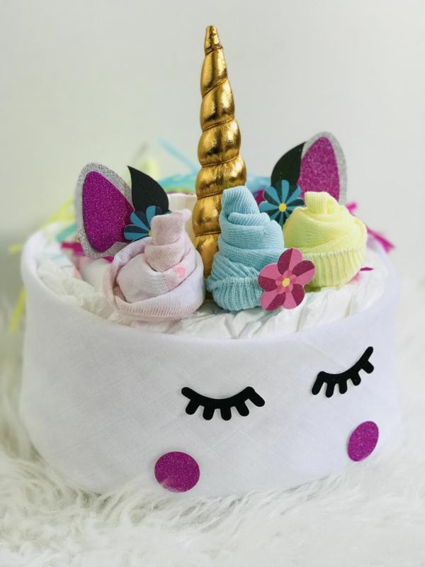 fabriquer un gâteau de couches licorne
