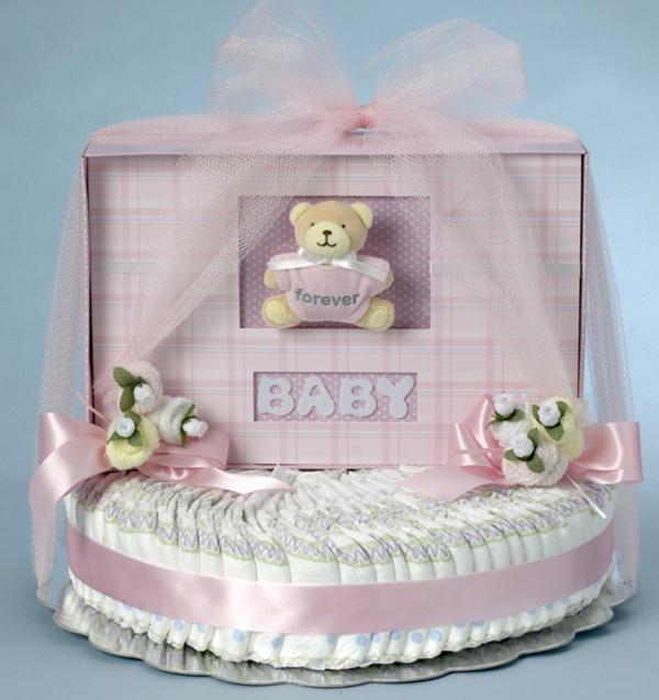 fabriquer un gâteau de couches lit de bébé