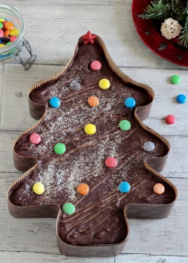 gâteau sapin de noël glaçage au chocolat