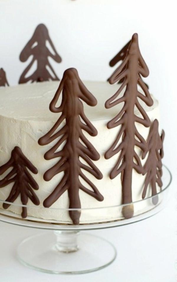 gâteau sapin de noël glaçage blanc