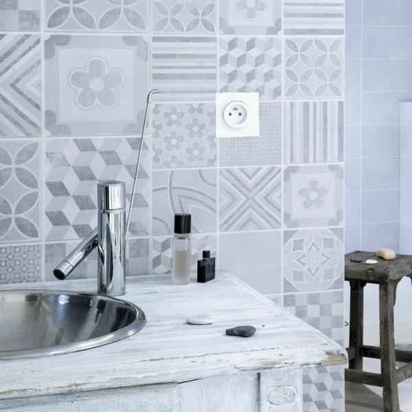humidité condensation moisissure humidité dans la salle de bain