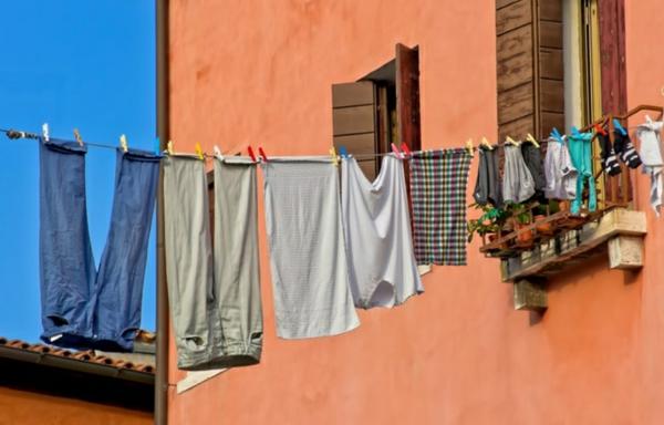 humidité condensation moisissure séchage de vêtements