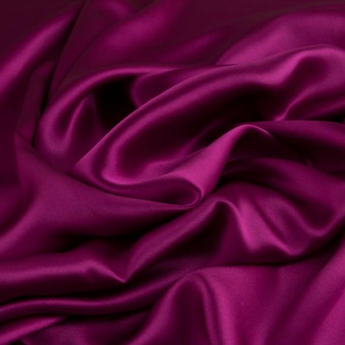 linge de lit en soie taie d'oreiller en soie rouge