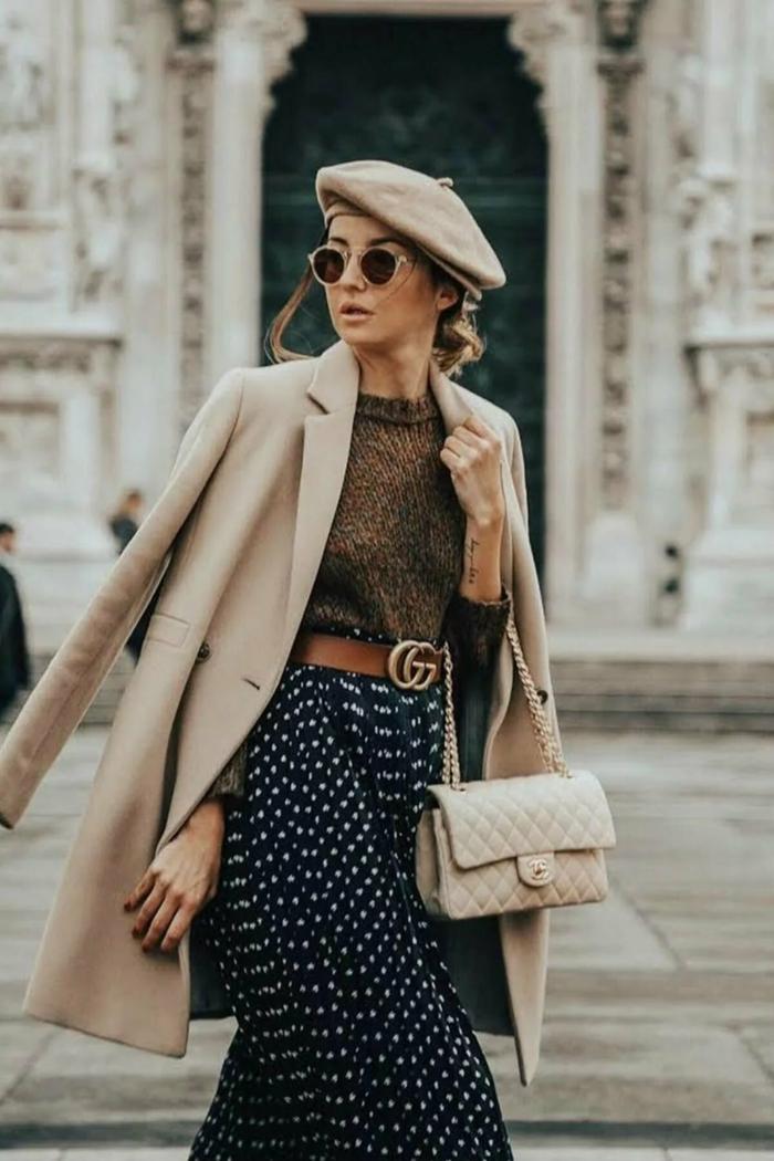 look moderne mode femme idée avec béret chapeau femme hiver