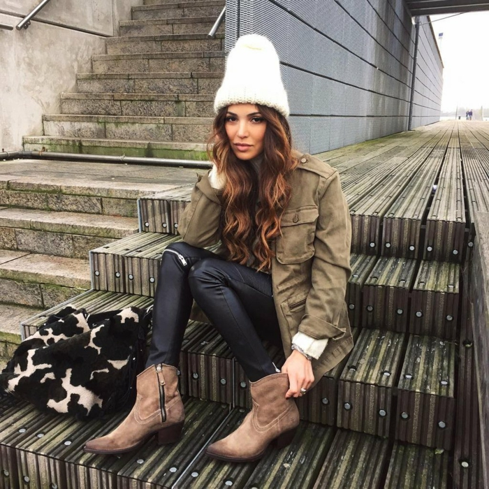 look pour l'hiver chapeau femme hiver ave pompon