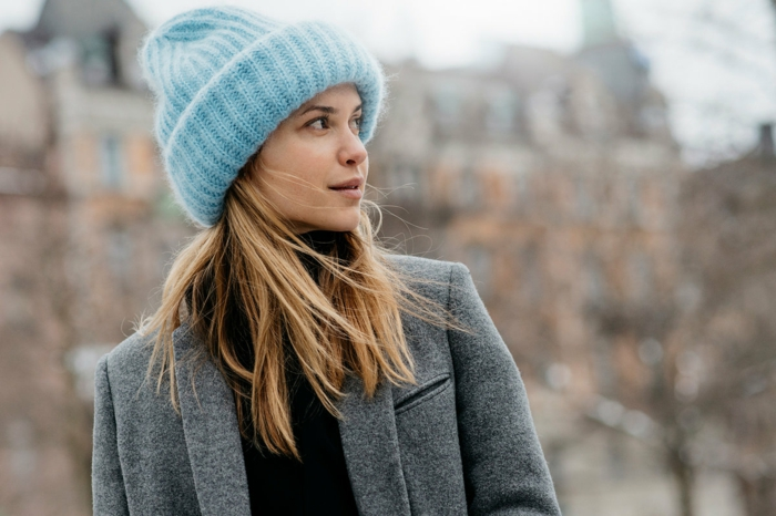 manteau gris avec chapeau femme hiver bleu clair