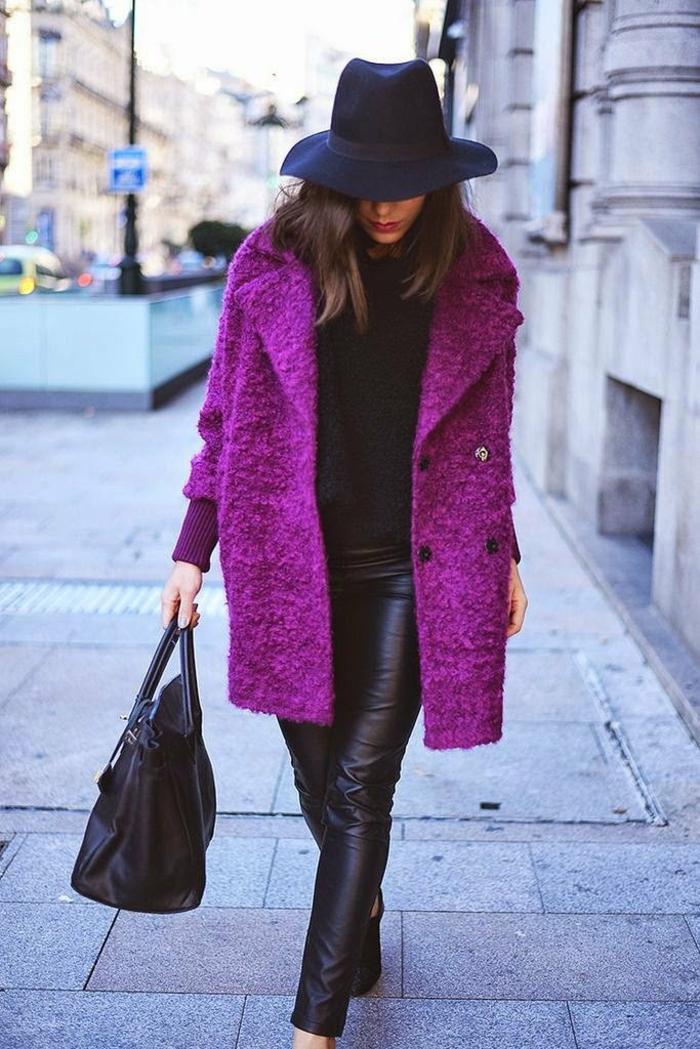 mode femme manteau en violet et chapeau en feutre chapeau femme hiver