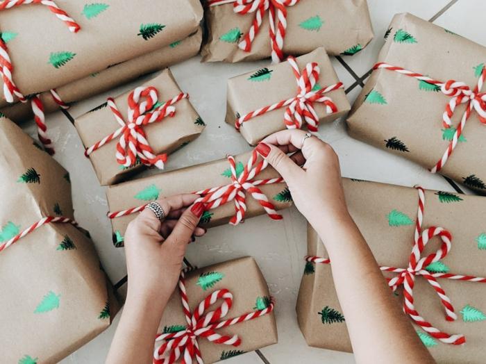 papier craft pour noël idée comment emballer un cadeau pour noël