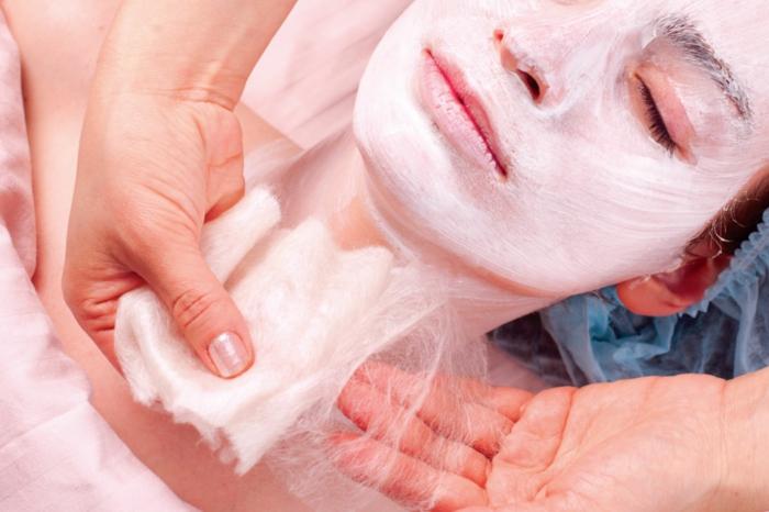 soins visage avec du soie silk face care