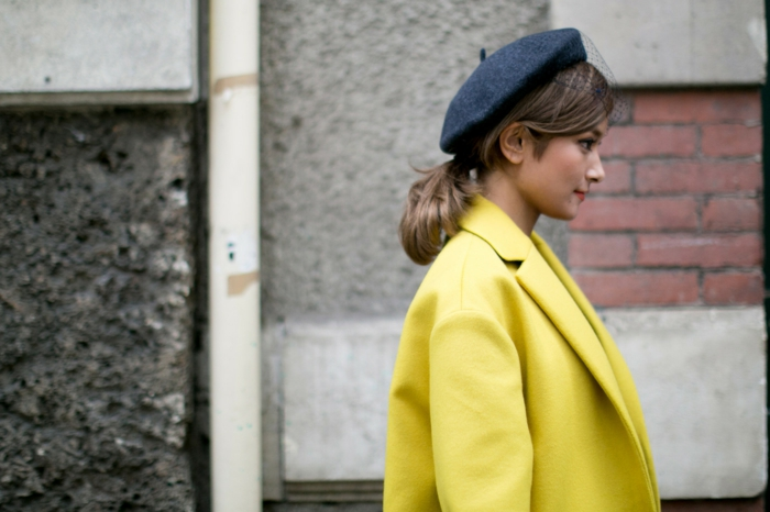 tenue chic béret chapeau femme hiver