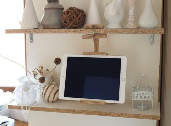cadeau zéro déchet support pour tablette en bois