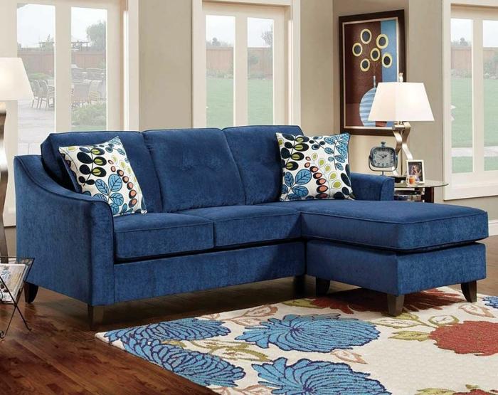 canapé en classic blue couleur pantone 2020