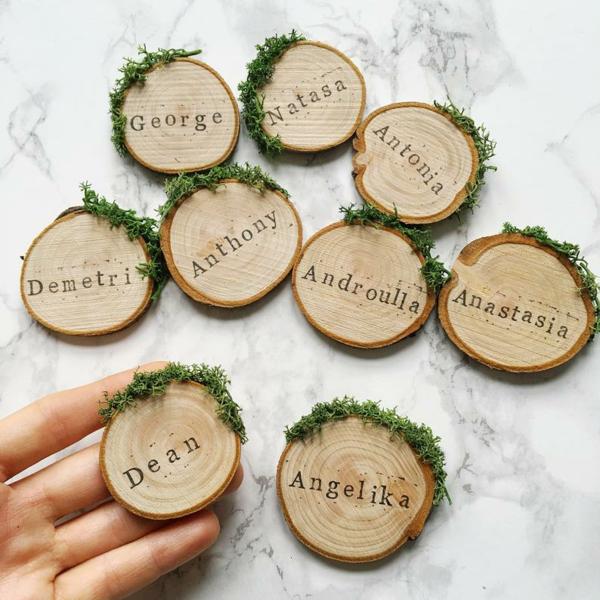 déco mariage hiver marque-places rondelles de bois