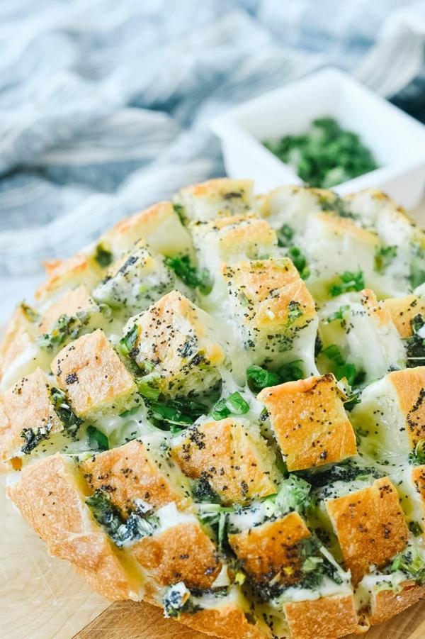 idée repas nouvel an pain à l'oignon