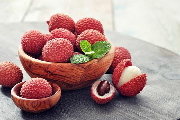 litchi bienfaits fruits dans un bol