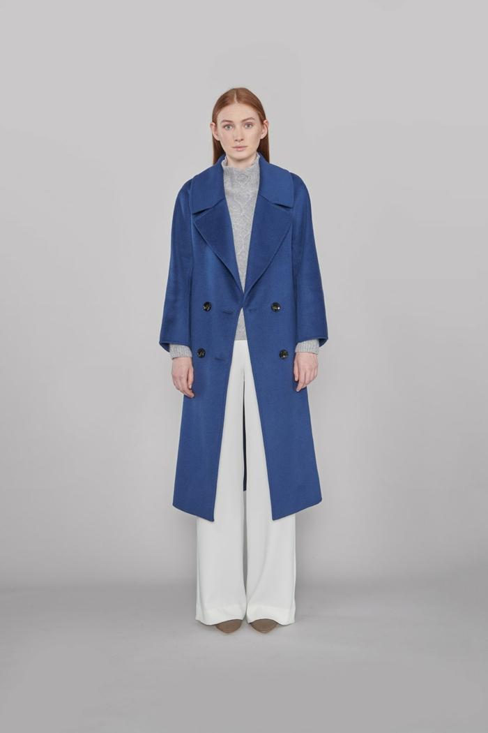 manteau femme couleur classic blue couleur pantone 2020