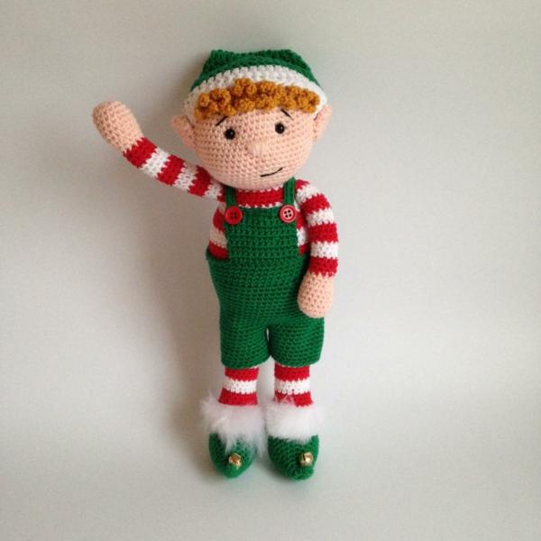 modèle de lutin de noël à tricoter pour amuser les enfants