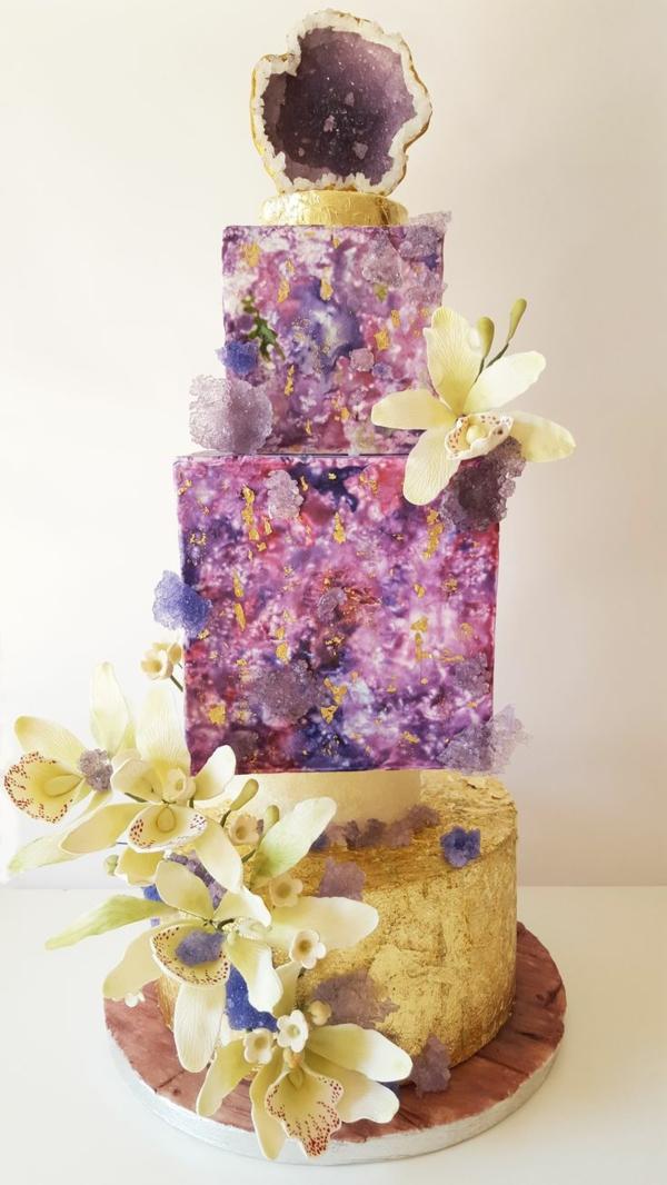 préparer gâteau géode déco orchidées blanches