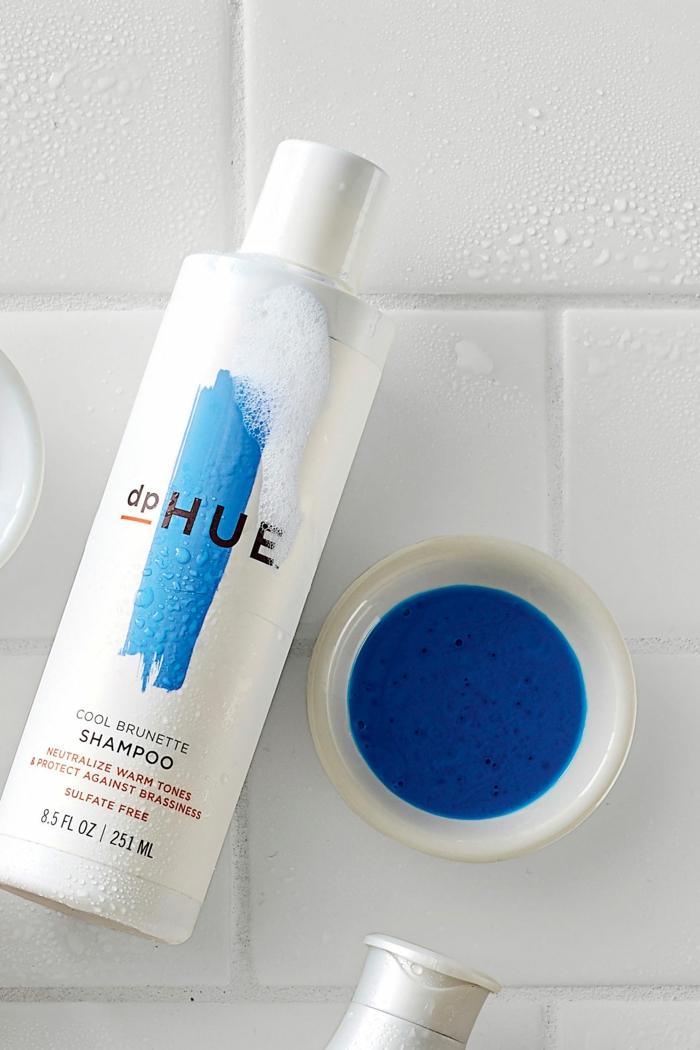 produit cheveux colorés bruns shampoing bleu