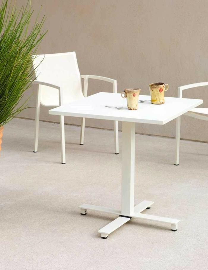 salon de jardin design idées table à pied