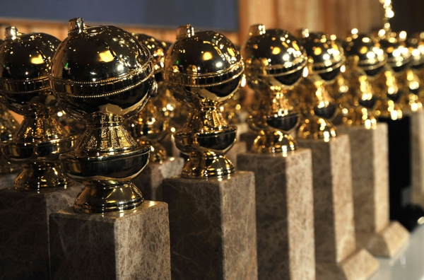 statuette golden globes 2020