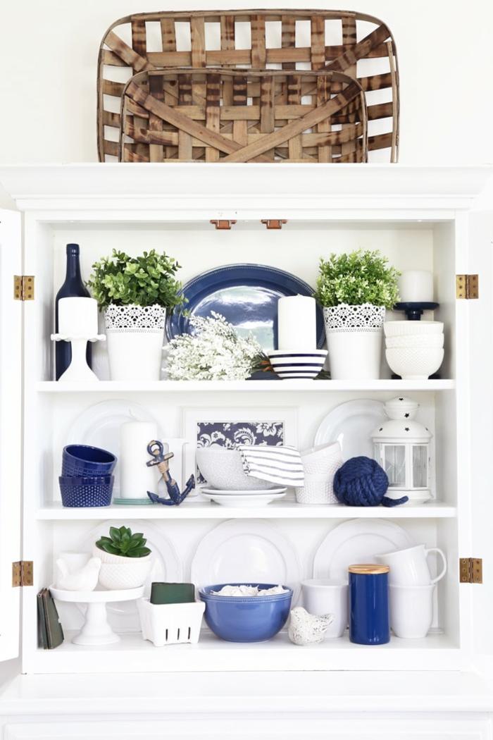 accessoires cuisine idée cuisine bleu classique pantone 2020