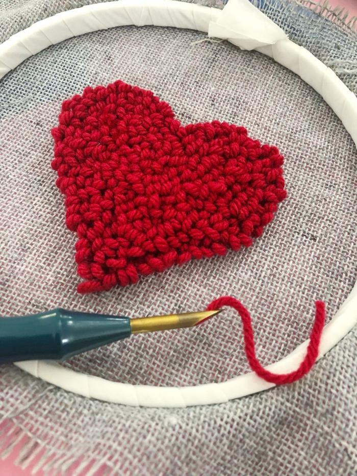 cadeau st valentin idée punch needle tuto
