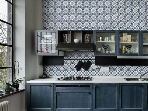 crédence cuisine 2020 dalles antiques à motifs