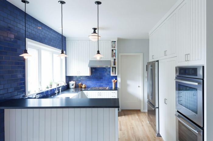 crédence de cuisine bleu classique