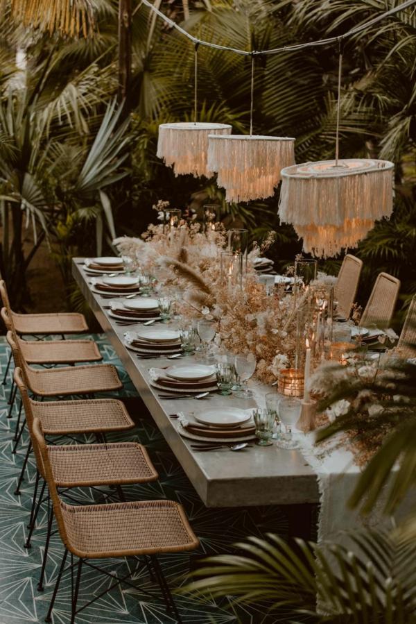 décoration salle de mariage avec des matériaux naturels