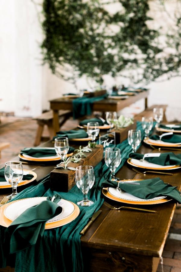 décoration salle de mariage couleur thème vert émeraude