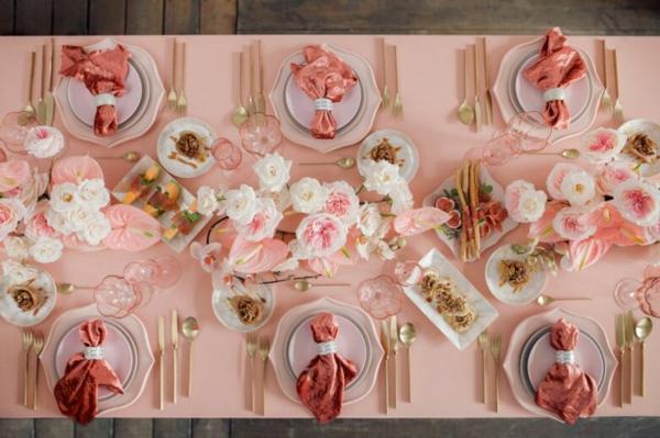 décoration salle de mariage table thème couleur rose millénaire