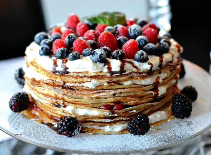 dessert recette gâteau de crêpes aux fruits rouges