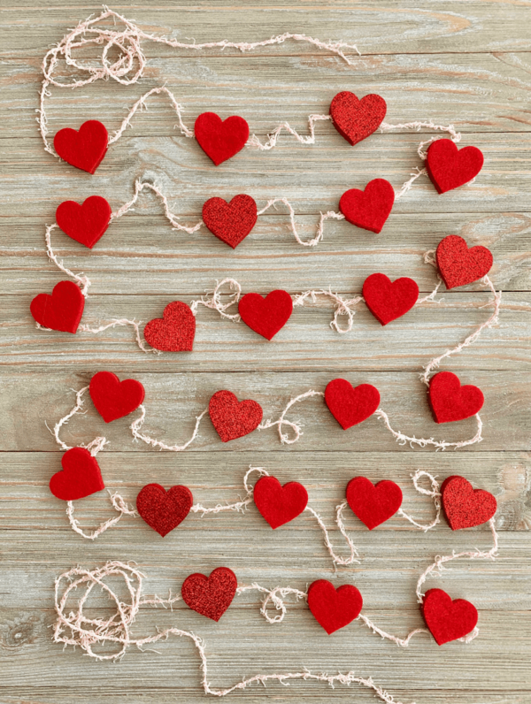 diy guirlande coeur saint valentin ficelle coeurs polystyrène