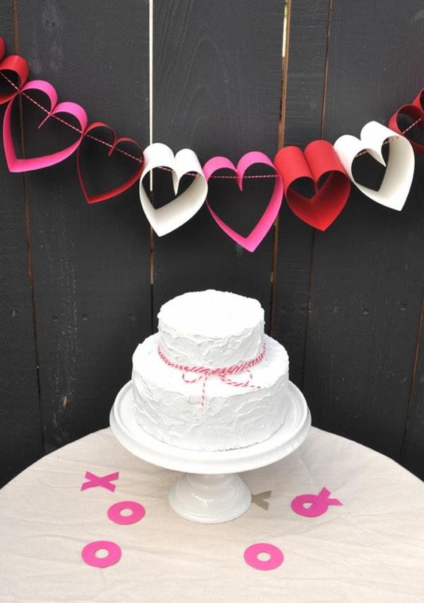 diy guirlande coeur saint valentin papier coloré fil de boulanger