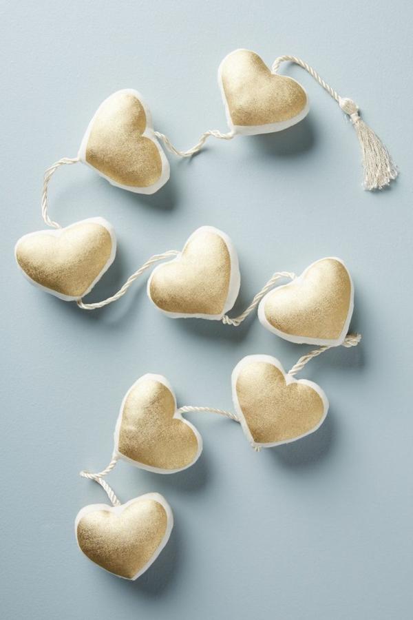 diy guirlande coeur saint valentin textile ouate peinture dorée