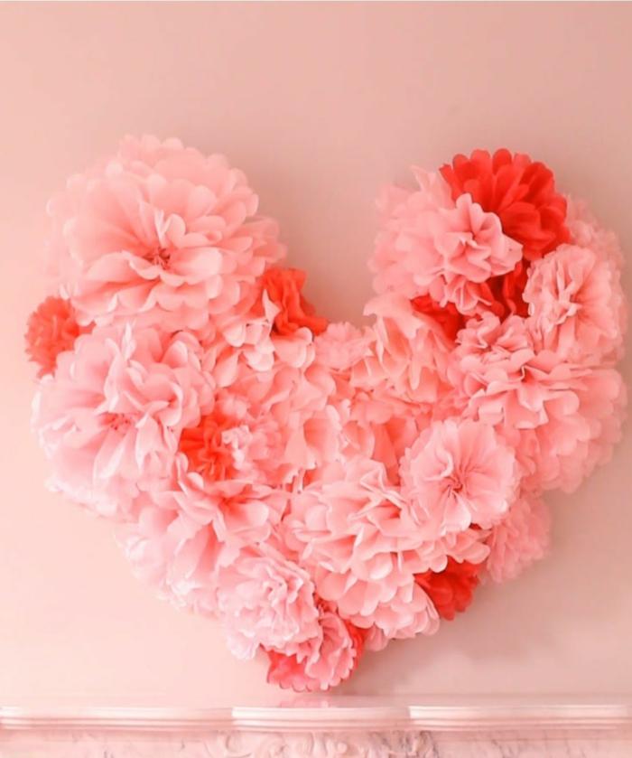 fleurs en papier en forme de coeur déco chambre romantique