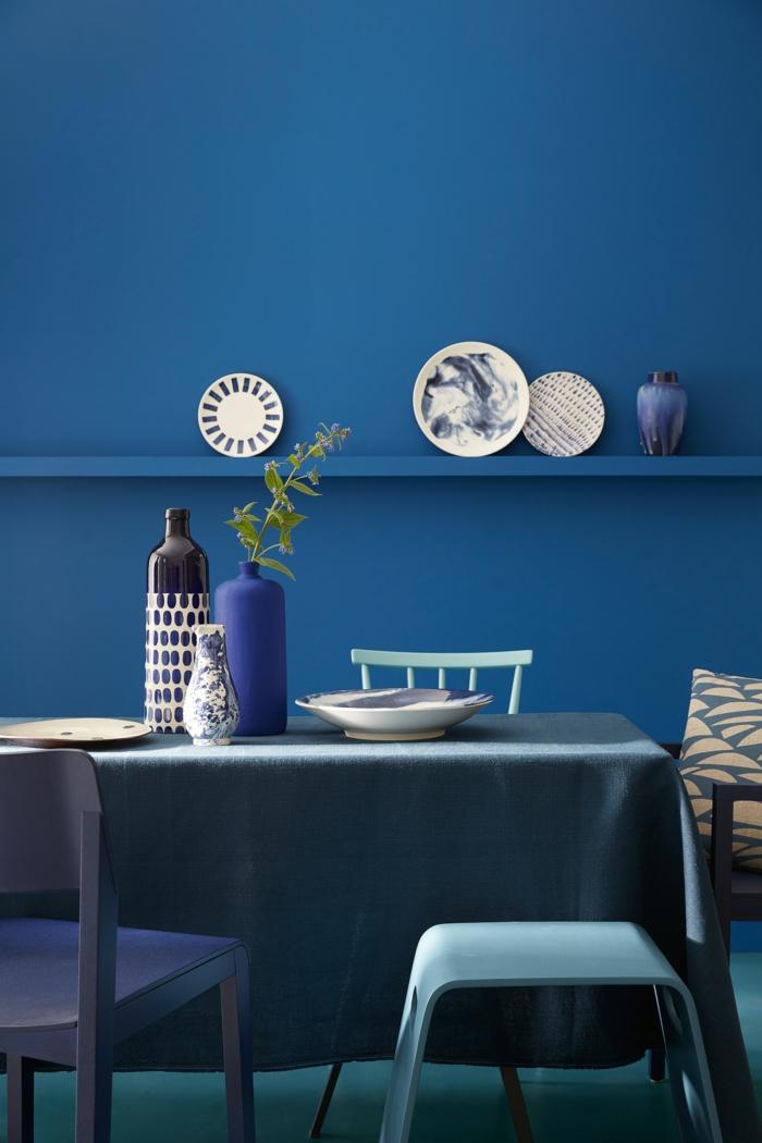 peinture murale cuisine bleu classique pantone 2020