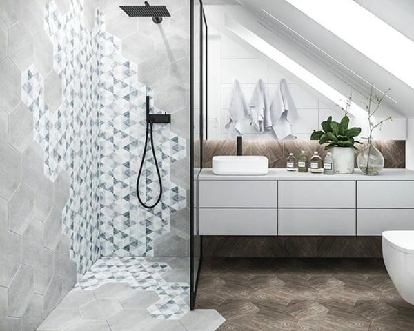 petite salle de bain sous comble carrelage mixte mobilier blanc