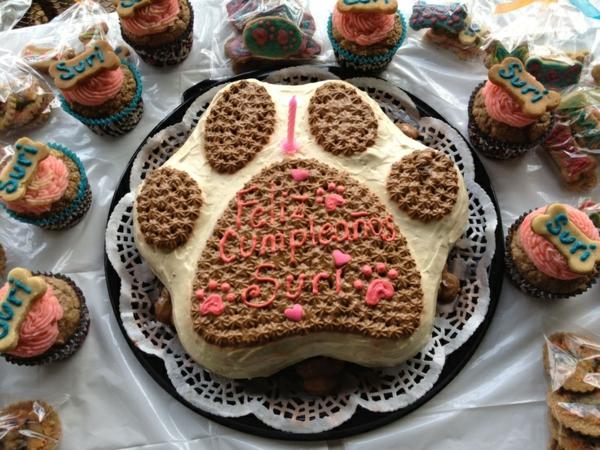 recette gâteau d'anniversaire pour chien sous la forme de patte