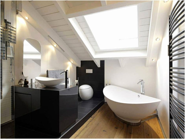 salle de bain sous comble mobilier noir cuvette suspendue baignoire ovale