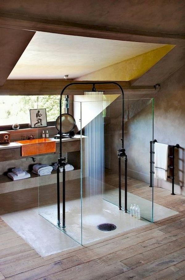 salle de bain sous comble style industriel cabine de douche vitrée centrée