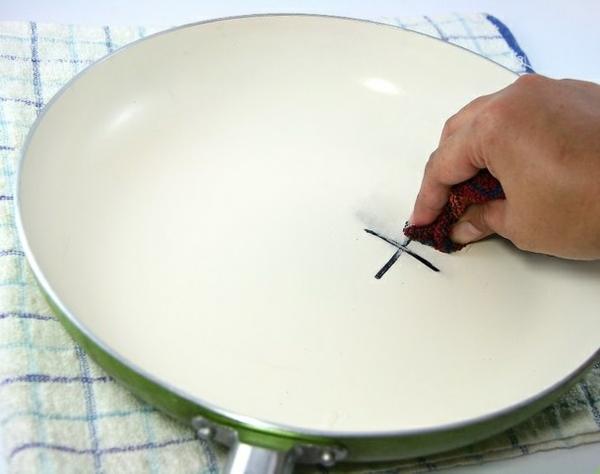 supprimer les taches d'encre avec du beurre