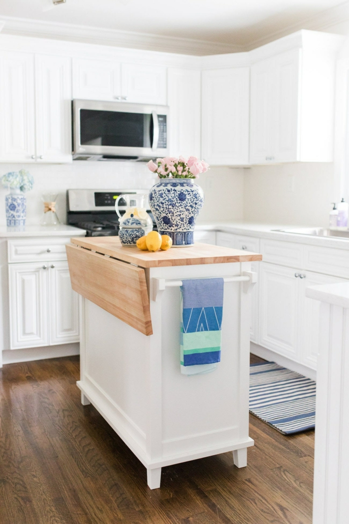 vases en bleu cuisine bleu classique pantone 2020
